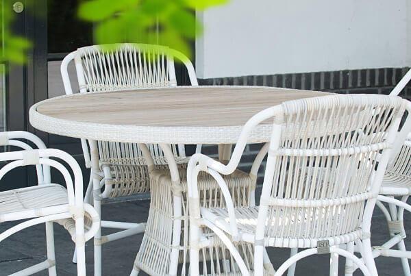 Loire Dining | Retro Provance Feeling mit einem Alu-Gestell