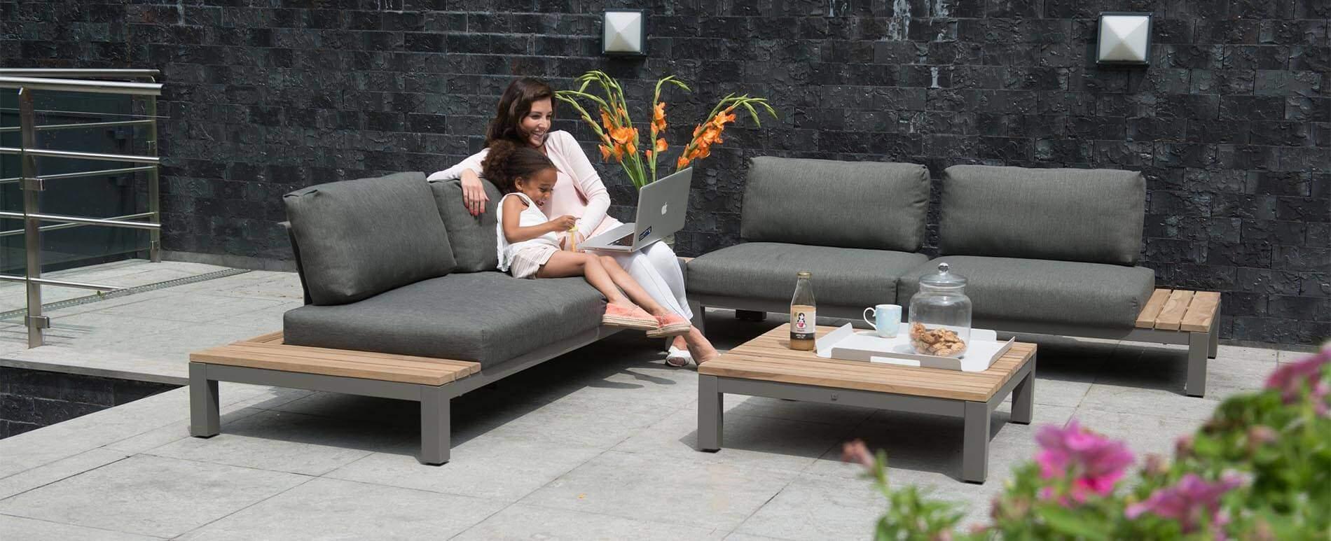 gartenm bel fidji lounge dunkle polster teakholz und aluminiumrahm. Black Bedroom Furniture Sets. Home Design Ideas