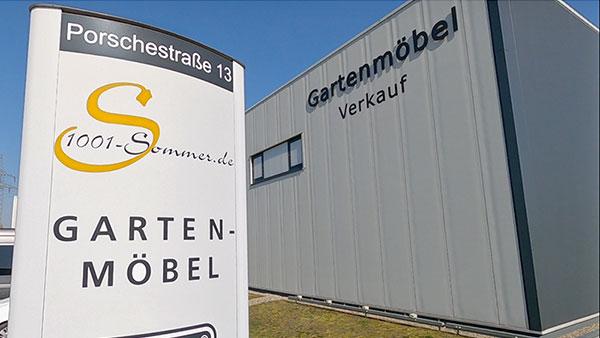 Gartenmöbel Ausstellungsfläche im Rundgang | Zwischen Hamburg und Lüneburg